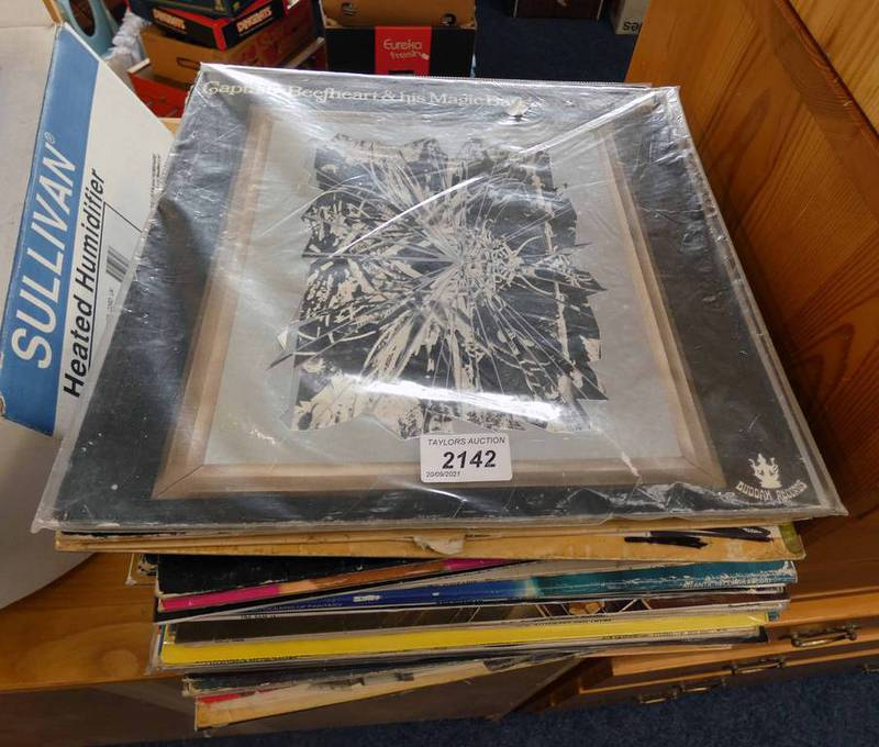 SELECTION OF VARIOUS VINYL ALBUMS INCLUDING ARTISTS SUCH AS BLACK SABBATH, JIMI HENDRIX,
