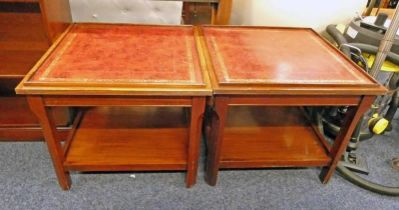 PAIR OF EARLY 20TH CENTURY MAHOGANY LAMP TABLES WITH LEATHER INSERTS TO TOP AND UNDERSHELF ON