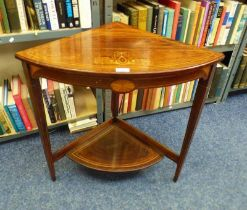 EARLY 20TH CENTURY ROSEWOOD CORNER TABLE WITH DECORATIVE BOXWOOD INLAY ON SQUARE SUPPORTS,