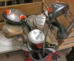 GOLF CLUBS IN GOLF BAG TO INCLUDE CALLAWAY, DONNAY, LYNX,