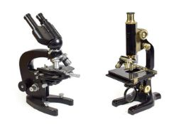 Hearson (London) Microscope no.526, with fine/course focussing, three lens turret, adjustable stage,