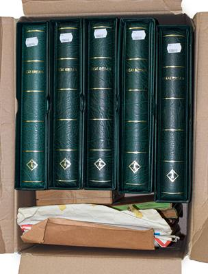 Great Britain 1952-94 unmounted mint issues displayed in five Lighthouse hingeless albums with