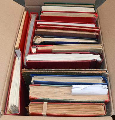 Worldwide carton, 20 albums/stockbooks as bought in auctions over the years, with an eclectic