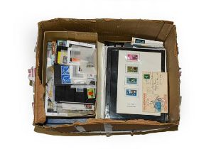Worldwide Carton, many 100s if not 1000s of mint and used stamps in glassines, stockcards and pages,