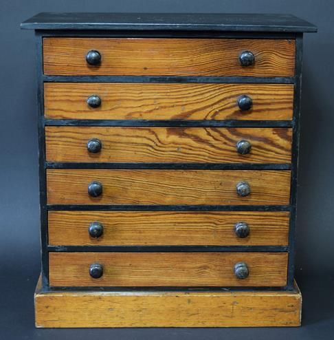 Entomology: A Late 19th Century Specimen Chest, circa 1880-1900, a six-drawer pitch pine specimen - Image 3 of 3