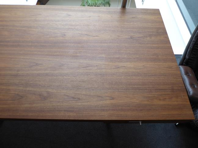 A Carl Hansen & Son Walnut CH110 Directors Desk, with two slender drawers, each with dividers - Image 4 of 9