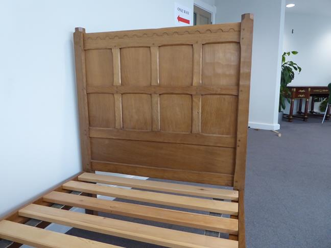 Squirrelman: Wilfrid Hutchinson (Husthwaite): An English Oak 3ft Panelled Bedstead, with carved - Image 8 of 9