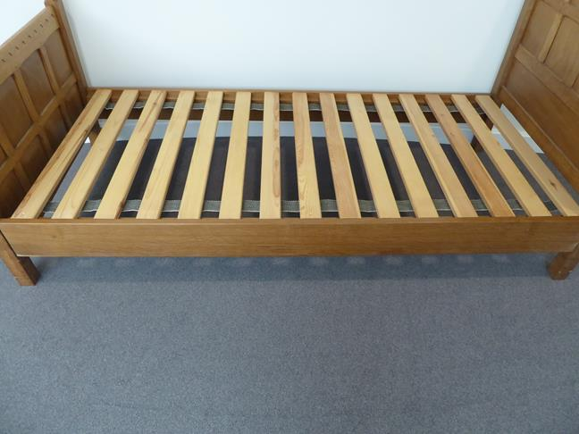 Squirrelman: Wilfrid Hutchinson (Husthwaite): An English Oak 3ft Panelled Bedstead, with carved - Image 9 of 9
