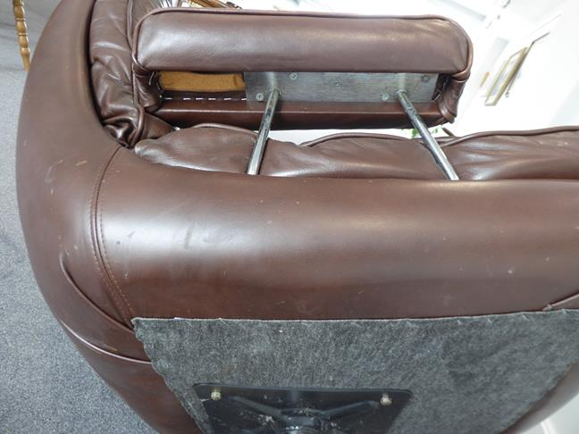 A Pair of 1970's Scandinavian Buttoned Brown Leather and Chrome Lounge Chairs, five prong base - Image 24 of 25