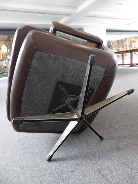 A Pair of 1970's Scandinavian Buttoned Brown Leather and Chrome Lounge Chairs, five prong base - Image 22 of 25