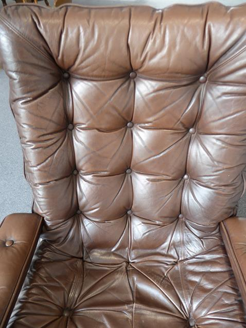 A Pair of 1970's Scandinavian Buttoned Brown Leather and Chrome Lounge Chairs, five prong base - Image 10 of 25