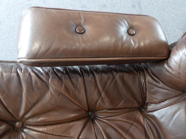 A Pair of 1970's Scandinavian Buttoned Brown Leather and Chrome Lounge Chairs, five prong base - Image 18 of 25