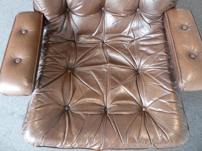 A Pair of 1970's Scandinavian Buttoned Brown Leather and Chrome Lounge Chairs, five prong base - Image 9 of 25