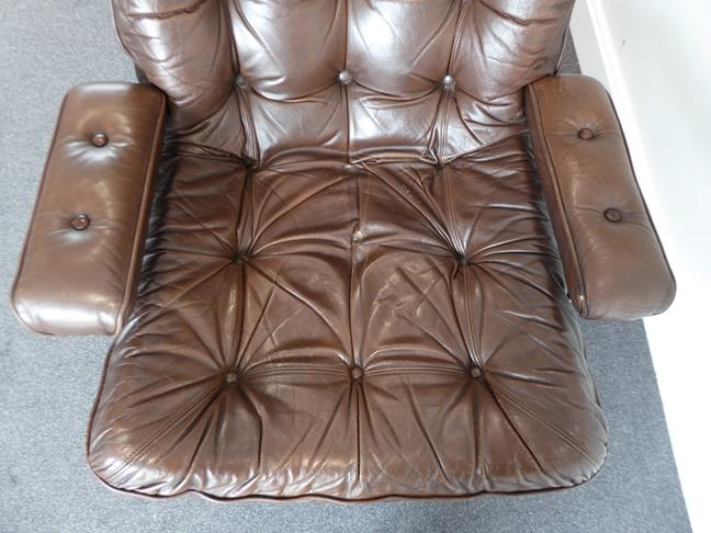 A Pair of 1970's Scandinavian Buttoned Brown Leather and Chrome Lounge Chairs, five prong base - Image 17 of 25
