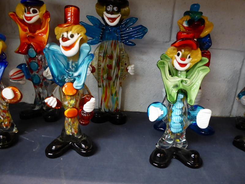Seventeen Murano and Murano style clowns - Image 7 of 12