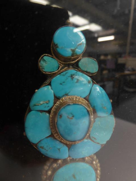 A pair of cased Indo-Persian white metal mounted turquoise three-piece sectional ornamental earrings - Image 5 of 9