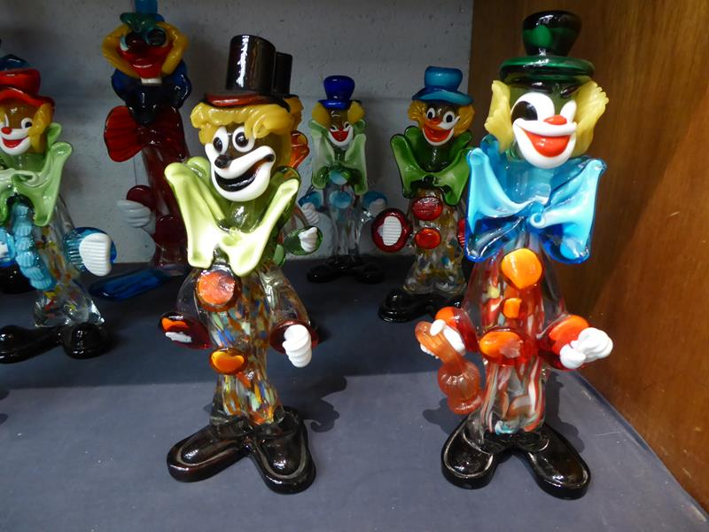 Seventeen Murano and Murano style clowns - Image 4 of 12