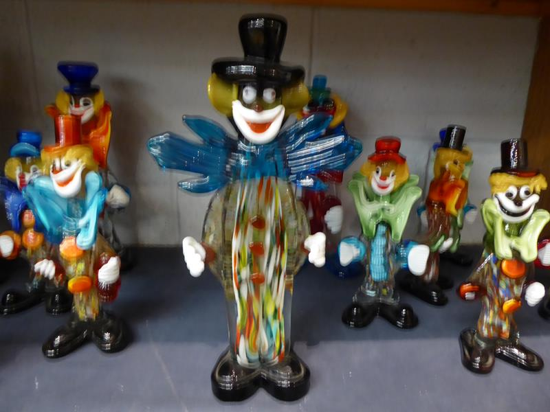 Seventeen Murano and Murano style clowns - Image 9 of 12