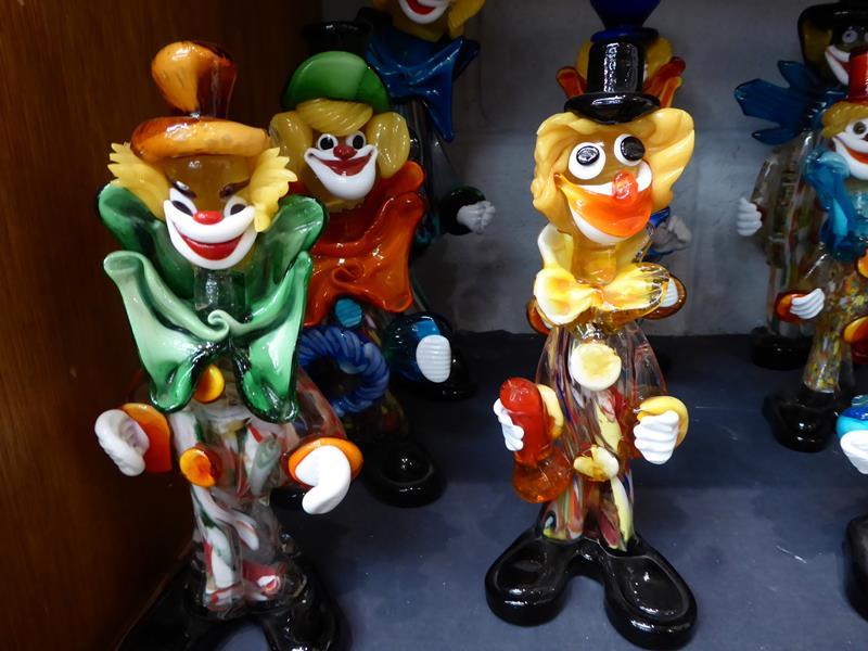 Seventeen Murano and Murano style clowns - Image 2 of 12