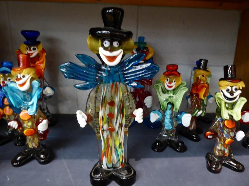 Seventeen Murano and Murano style clowns - Image 10 of 12