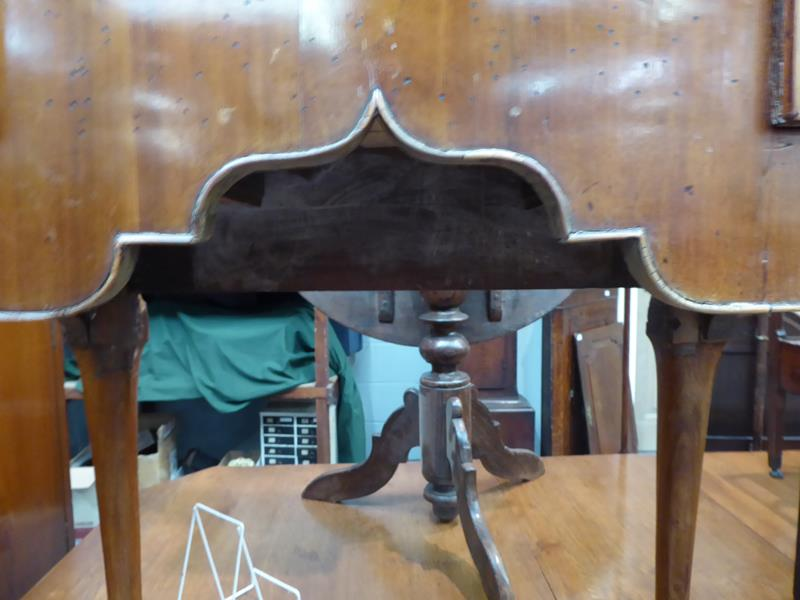A satinwood inlaid walnut lowboy, 76cm by 49cm by 72cm - Image 5 of 12