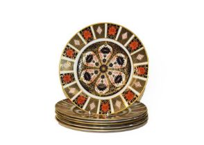 A set of six Royal Crown Derby Imari plates, pattern 1128, 26.5cm diameter. First quality, no damage