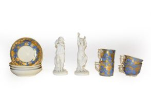 A tray of 18th century and later English porcelain including Caughley teawares with wet blue and