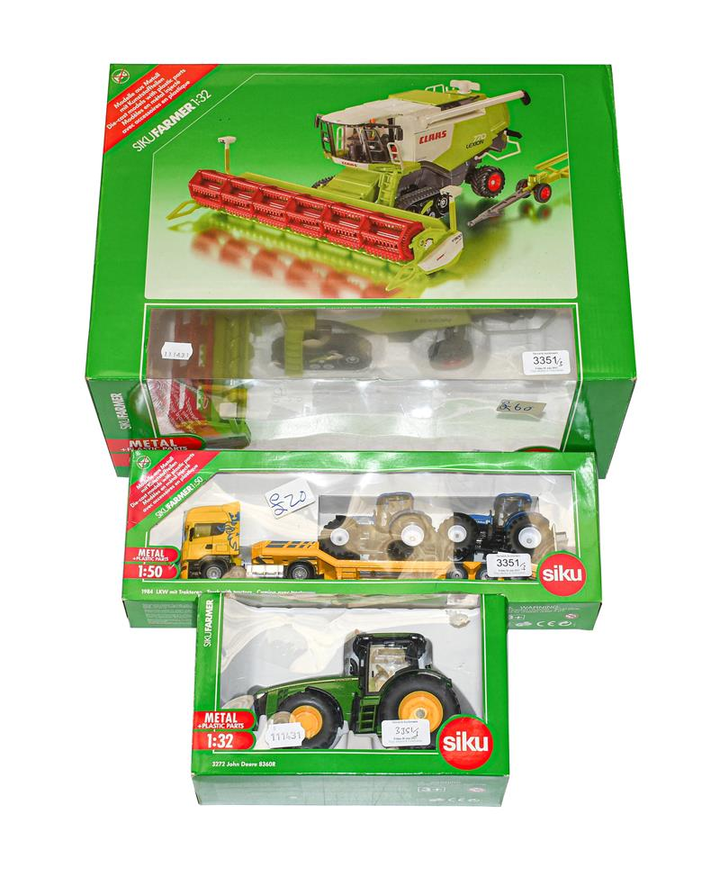 Siku 1:32 Scale Agricultural Models 4258 Lexion Combine harvester, 3272 John Deere 8360R tractor and