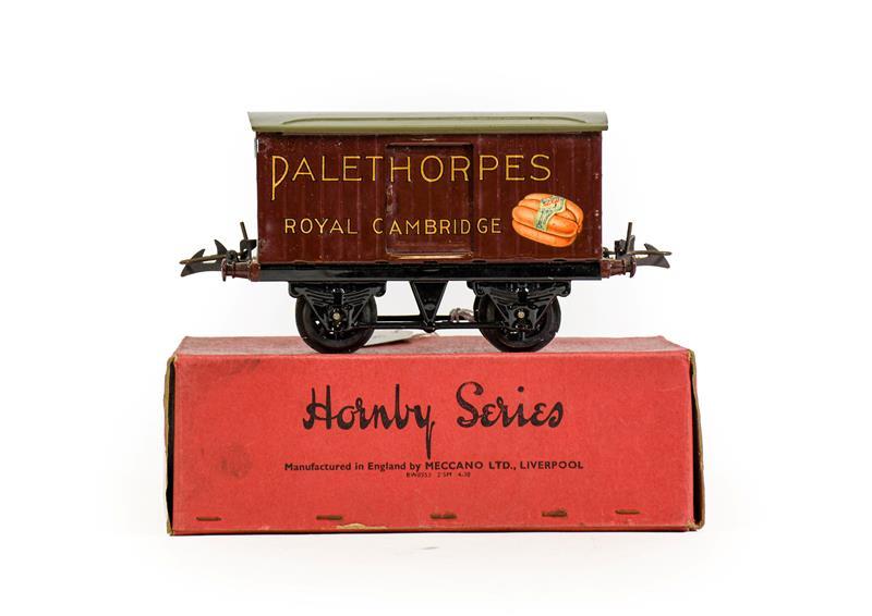 Hornby Series O Gauge Palethorpes Sausage Van (E box G)