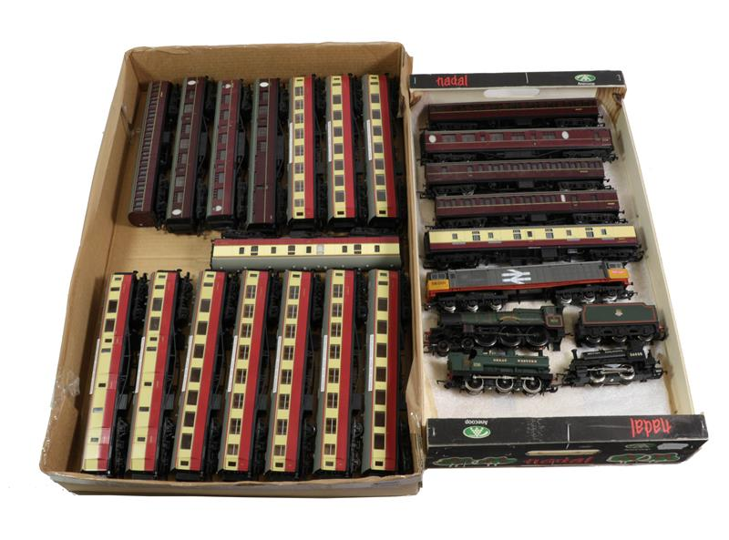 Hornby Railways, Bachmann And Others Assorted Locomotives And Coaches including Winchester Castle (