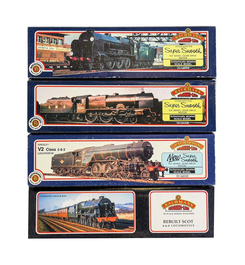 Bachmann OO Gauge Locomotives 31551 V2 Green Arrow, 31278 Manchester Regiment, 31405 Sir Walter