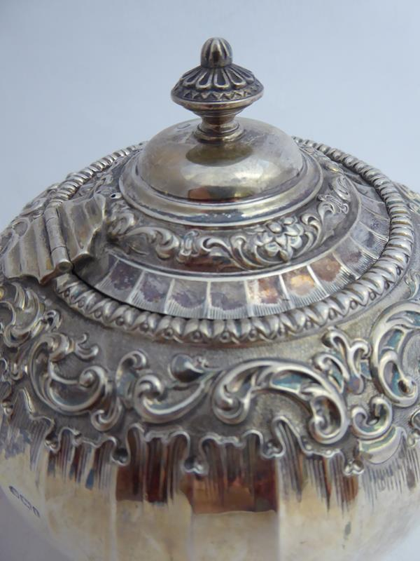 An Edward VII Silver Teapot, James Dixon and Sons Ltd., Sheffield, 1903, compressed globular, with - Image 3 of 10