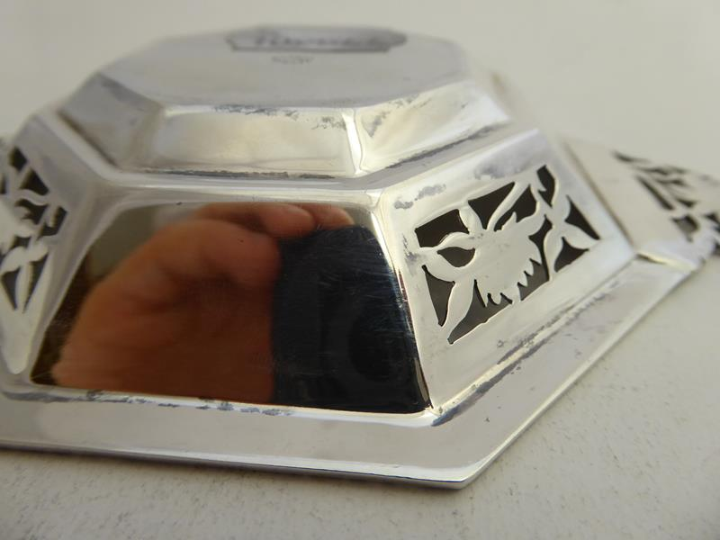 A Pair of George VI Silver Dishes, by Asprey and Co. Ltd., London, 1938, each octagonal and with - Image 10 of 12