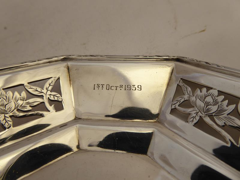 A Pair of George VI Silver Dishes, by Asprey and Co. Ltd., London, 1938, each octagonal and with - Image 8 of 12