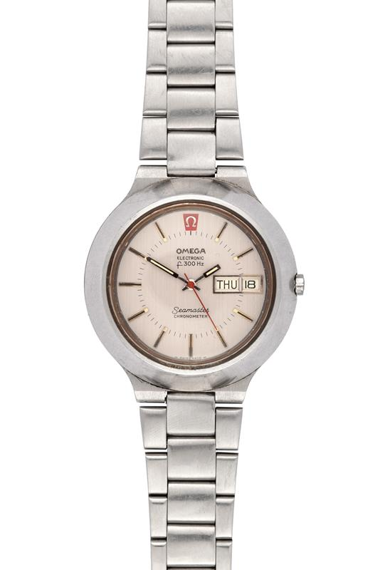 A Stainless Steel Electronic Day/Date Centre Seconds Wristwatch, signed Omega, F300hz Chronometer,