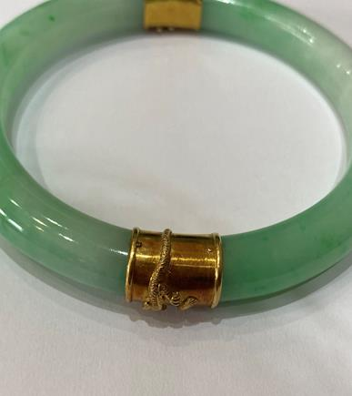 A Jade Bangle, with two bands overlaid with dragon detailing, measures 7.1cm inner diameter . The - Image 3 of 8