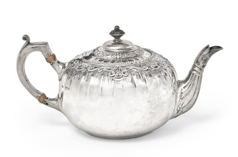 An Edward VII Silver Teapot, James Dixon and Sons Ltd., Sheffield, 1903, compressed globular, with