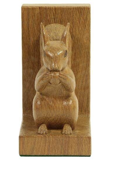 Stan Dodds (1928-2012): A Pair of English Oak Carved Red Squirrel Bookends, both sitting up on their - Image 4 of 4