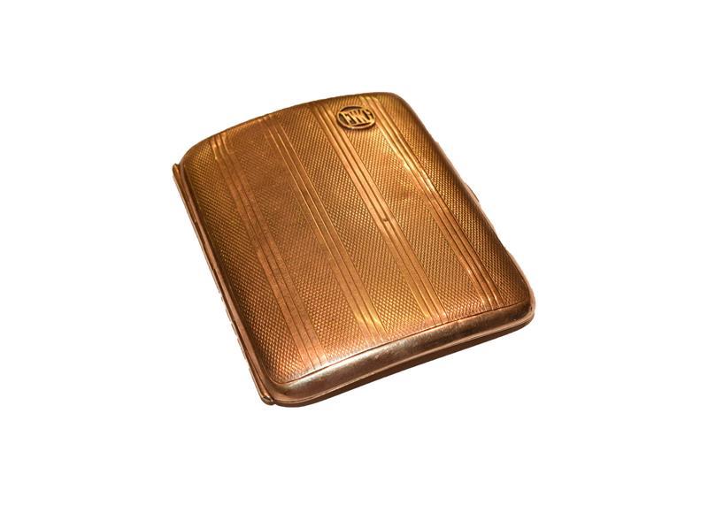 A 9 carat gold cigarette case. Gross weight 61.9 grams