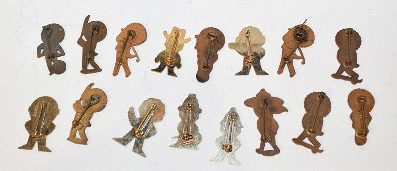 Robertson advertising items to include assorted enamel lapel badges and figures of musicians - Image 3 of 3