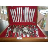 """Vintage canteen of """"Savoy"""" stainless steel cutlery by Spear & Jackson"""