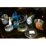 Collection of 15 glass paperweights, birds and animals inc. Langham badger and a Wedgwood glass