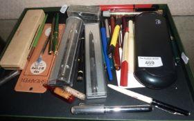 Assorted vintage fountain pens, inc. Parker, pens and pencils