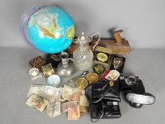 Mixed lot of collectables to include vintage powder compacts, terrestrial globe, Norwegian pewter,
