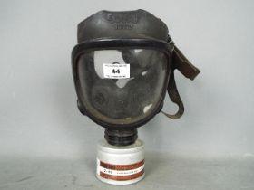 A Sekur by Pirelli Gas Mask