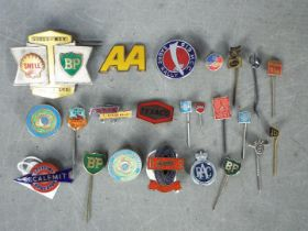 Automobilia - A collection of pin badges, lapel badges, pins and similar, motoring related.