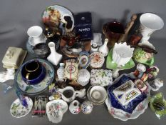 A mixed lot of ceramics to include Coalport, Aynsley, Carlton Ware, Royal Doulton and similar.