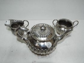 A silver plated teapot set, approx 13 cm