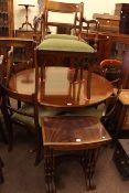 Circular mahogany extending pedestal dining table,