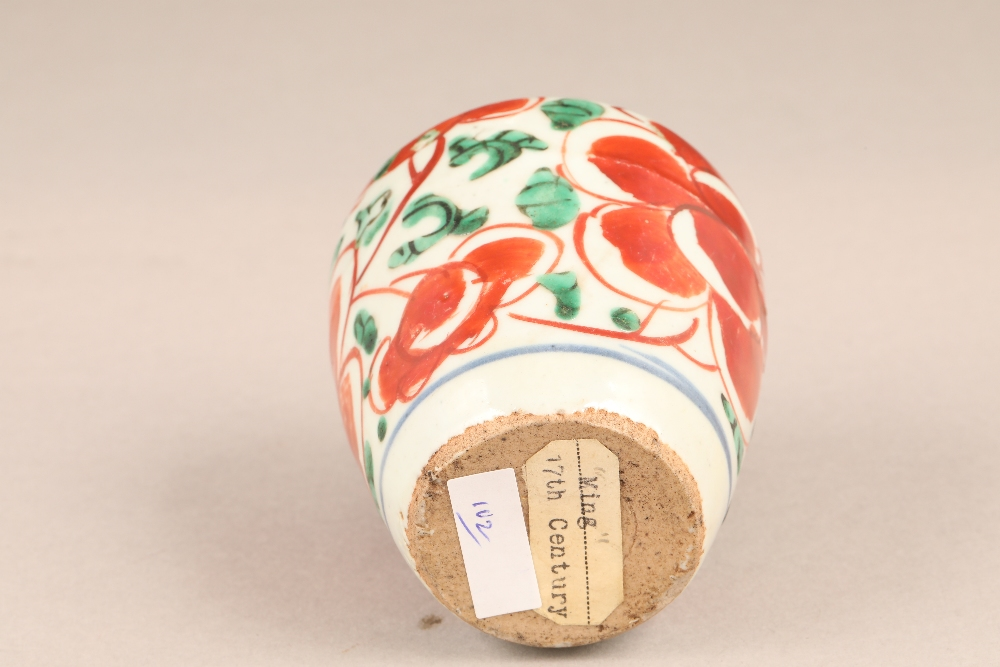 17th century Chinese pottery vase, baluster form, decorated with iron red flowers and green - Image 5 of 5
